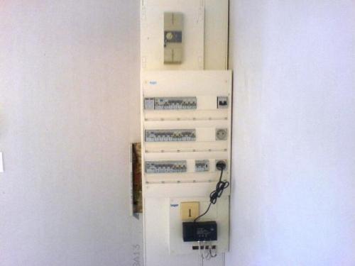 renovation electricite manosque installation electrique. Black Bedroom Furniture Sets. Home Design Ideas